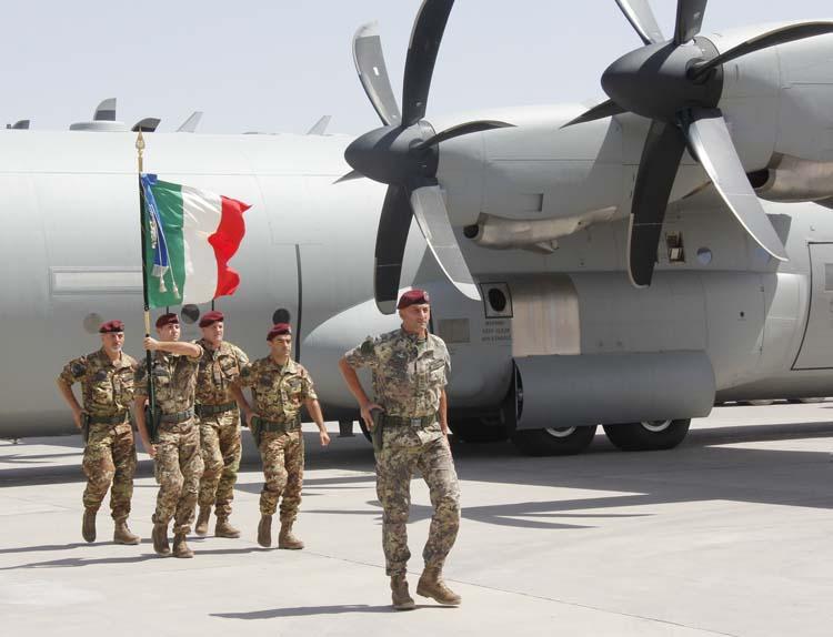 Il fattore el alamein nella folgore di oggi for Bandiera di guerra italiana
