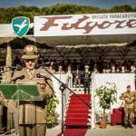 Il capo di Stato MAggiore dell'esercito Claudio Graziano parla davanti ai reparti schierati