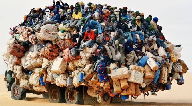 Immigrati_su_camion_Fantastica