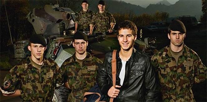 Matrimonio In Divisa Esercito : Le forze armate svizzere si faranno conoscere meglio dalla
