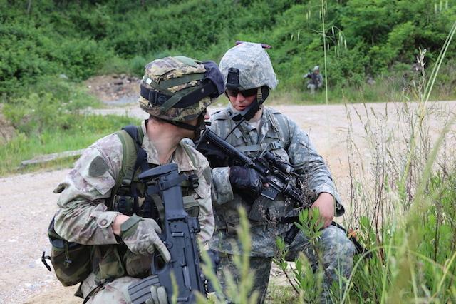 FOTO 6 - militari delle due Nazioni durante una fase dell'esercitazione