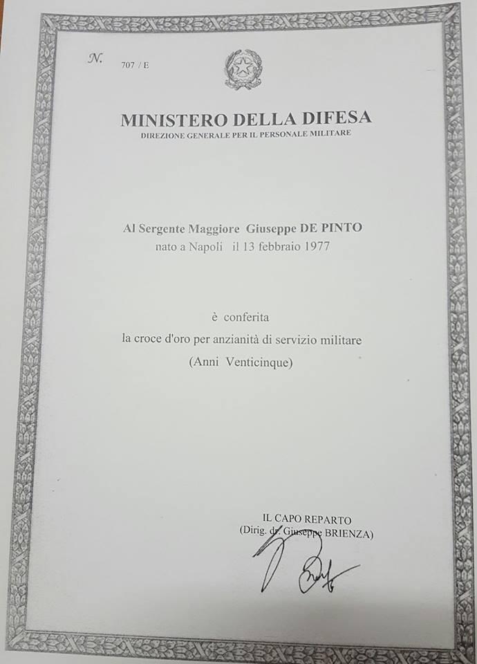medaglia-di-bronzo-per-anzianita-di-servizio-al-sergente-maggiore-giuseppe-de-pinto