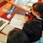 bambini-in-biblioteca
