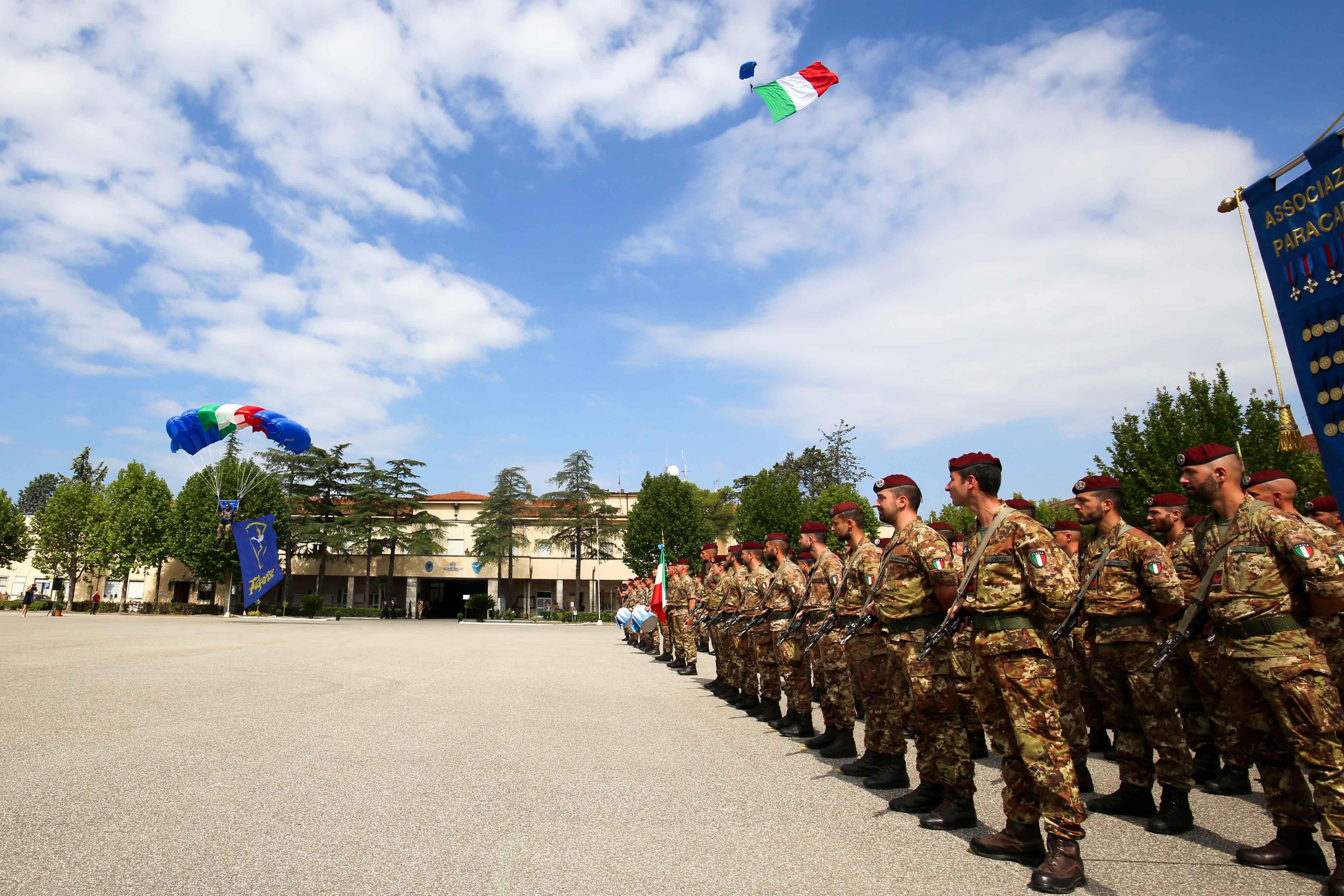 11-aviolancio-bandiere
