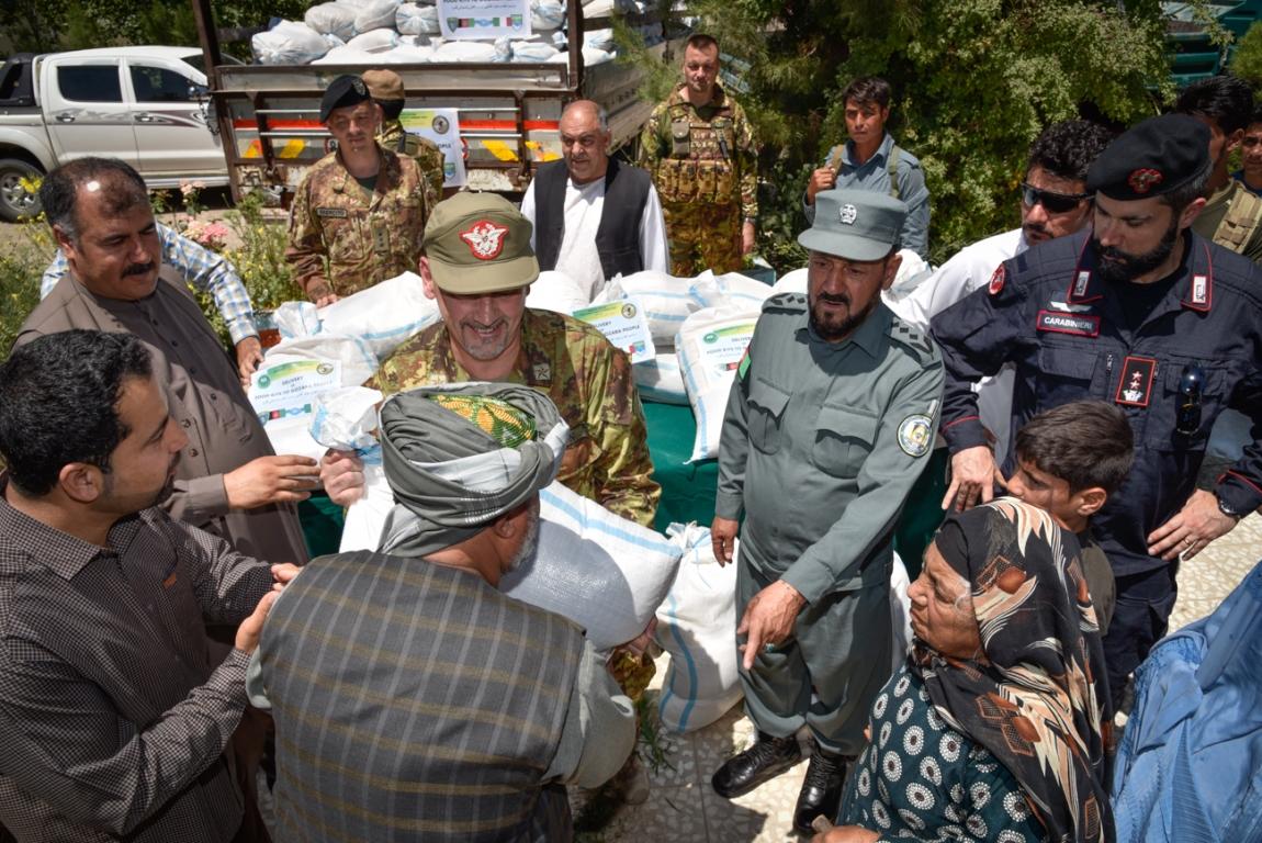 la-distribuzione-degli-aiuti-alle-famiglie-dei-villaggi-rurali-2