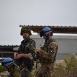 militare-italiano-di-unifil-e-ufficiale-delle-forze-armate-libanesi