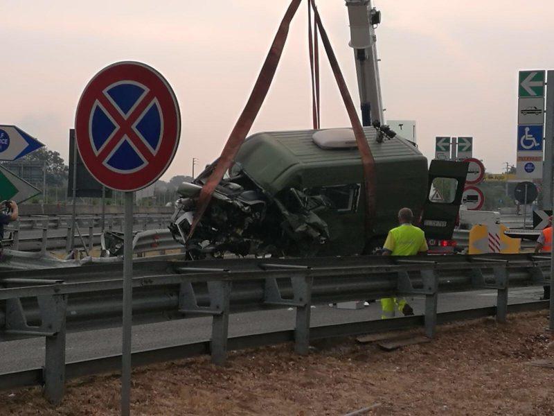 mezzo-militare-incidente