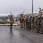 onori-militari-al-comkfor