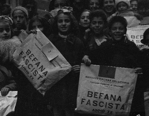 befana-fascista