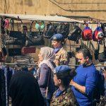 baschi-blu-nel-mercato-cittadino
