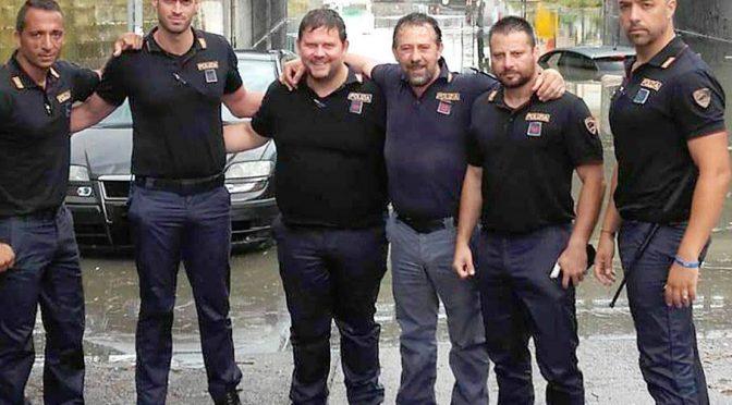 poliziotti-salvataggio-auto-sottopasso-ancona-e1528996095539