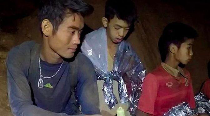 meditazione-buddista-grotta-thailandese