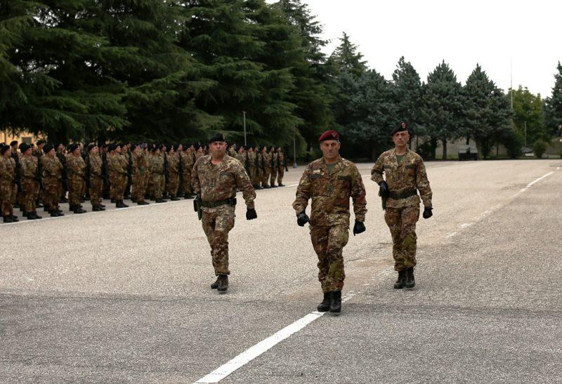 foto-3-il-generale-di-brigata-giuseppe-faraglia-in-un-momento-della-cerimonia