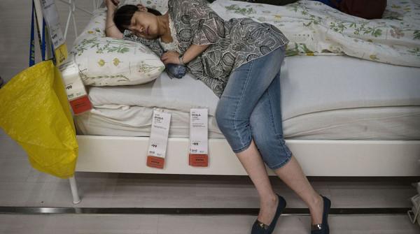 Curiosita i cinesi dormono volenteri i all ikea for Ikea seggiole