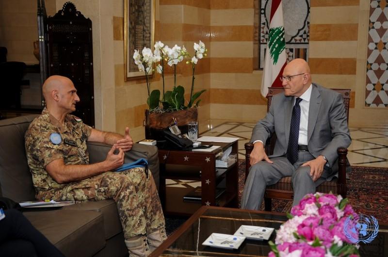 Il Generale Portolano incontra il Primo Ministro Libanese Tammam Salam