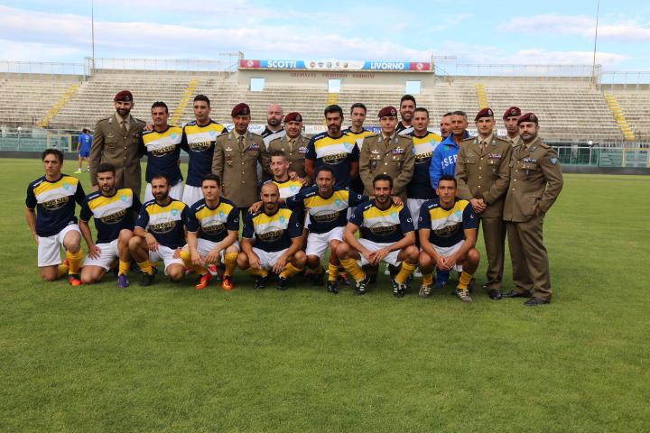 la squadra del 187-¦ Reggimento paracadutisti Folgore