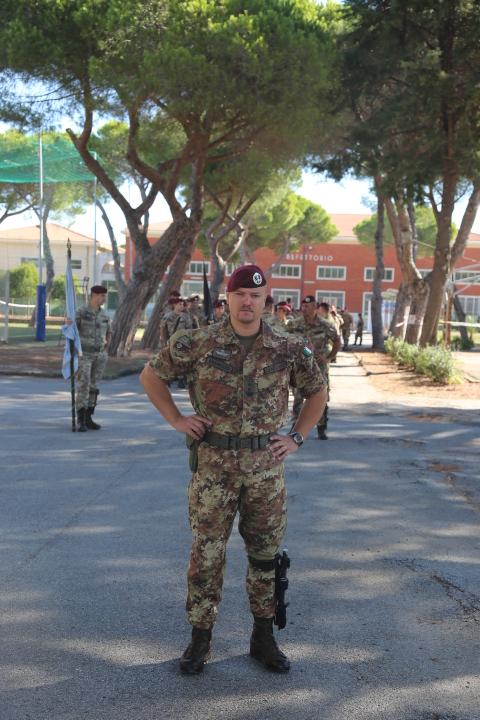 Il Cte cedente Ten. Col. Mauro Zandonadi