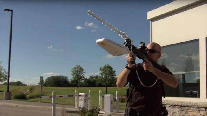 ecco-fucile-anti-drone-in-grado-abbatterli-attraverso-onde-radio-240782-1280x720