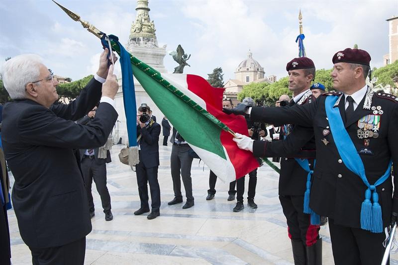 tuscania-bandiera-mattarella