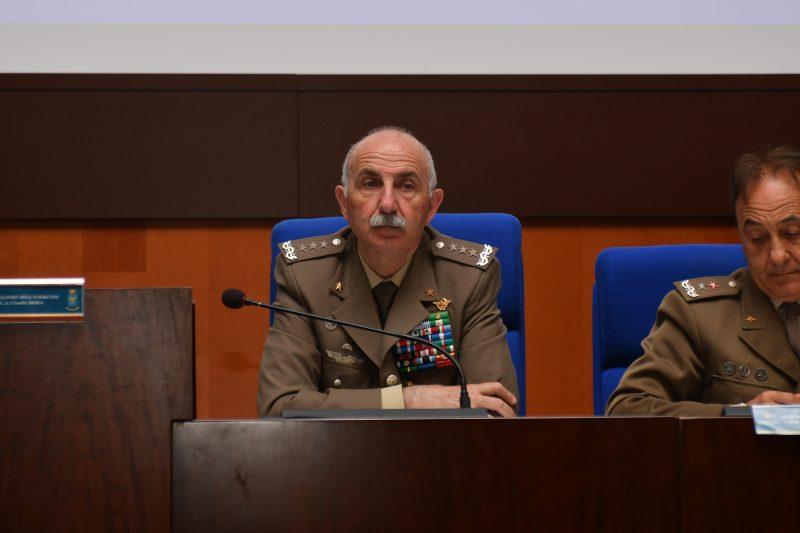 il-generale-di-corpo-darmata-claudio-mora-al-2workshop-di-psicologia-e-psichiatria-militare
